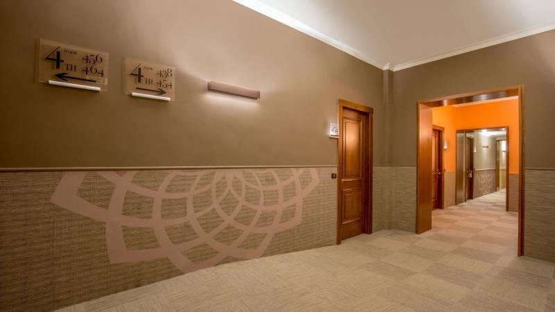 Hotel-Cosmopolita-Roma-Corridoio4