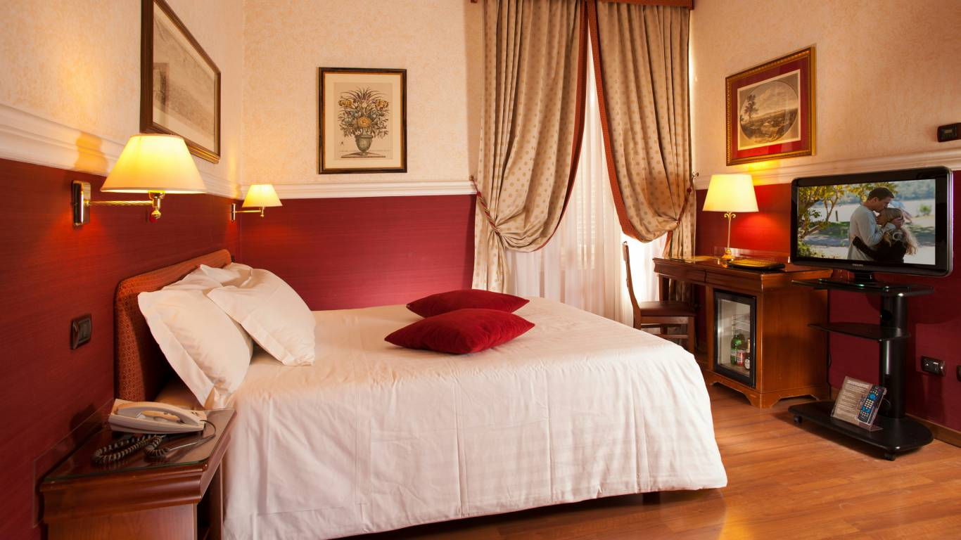Hotel-Cosmopolita-Rome-room6