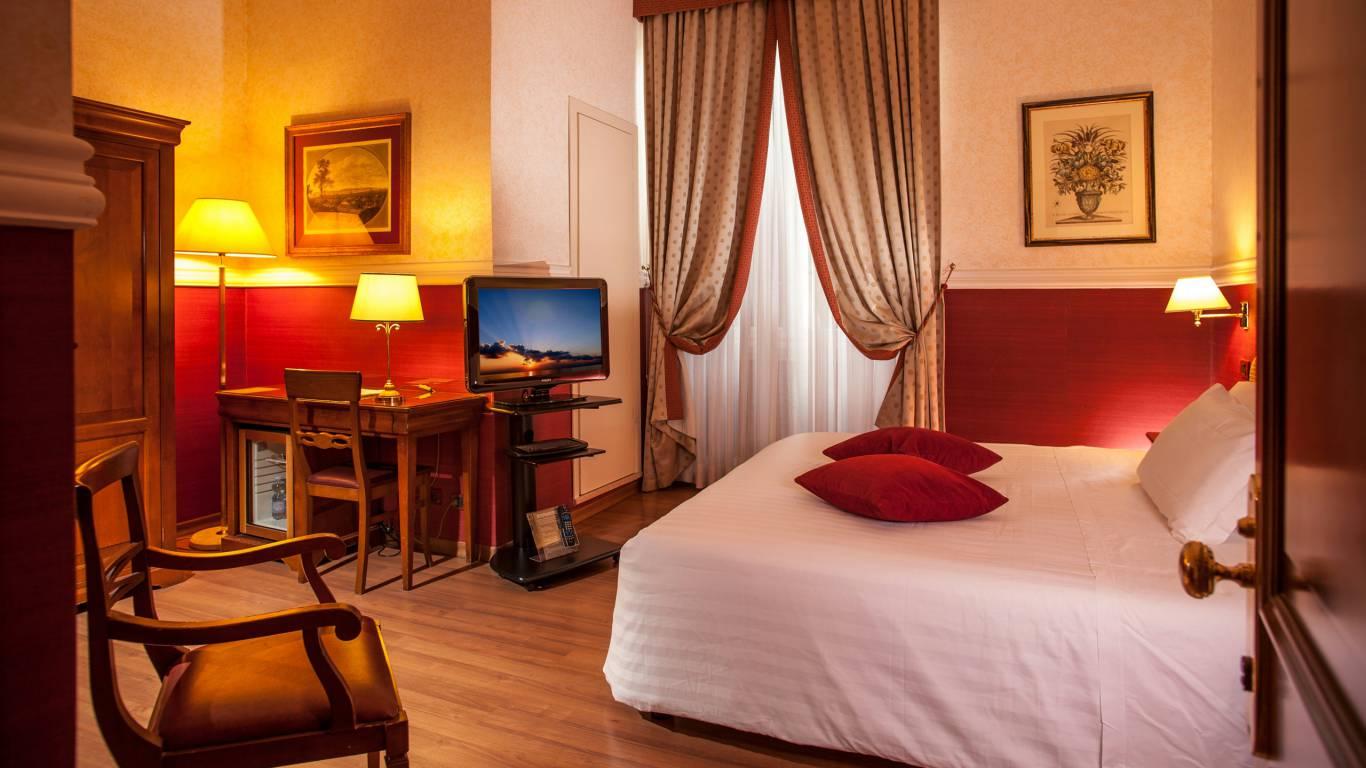 Hotel-Cosmopolita-Roma-Camera8