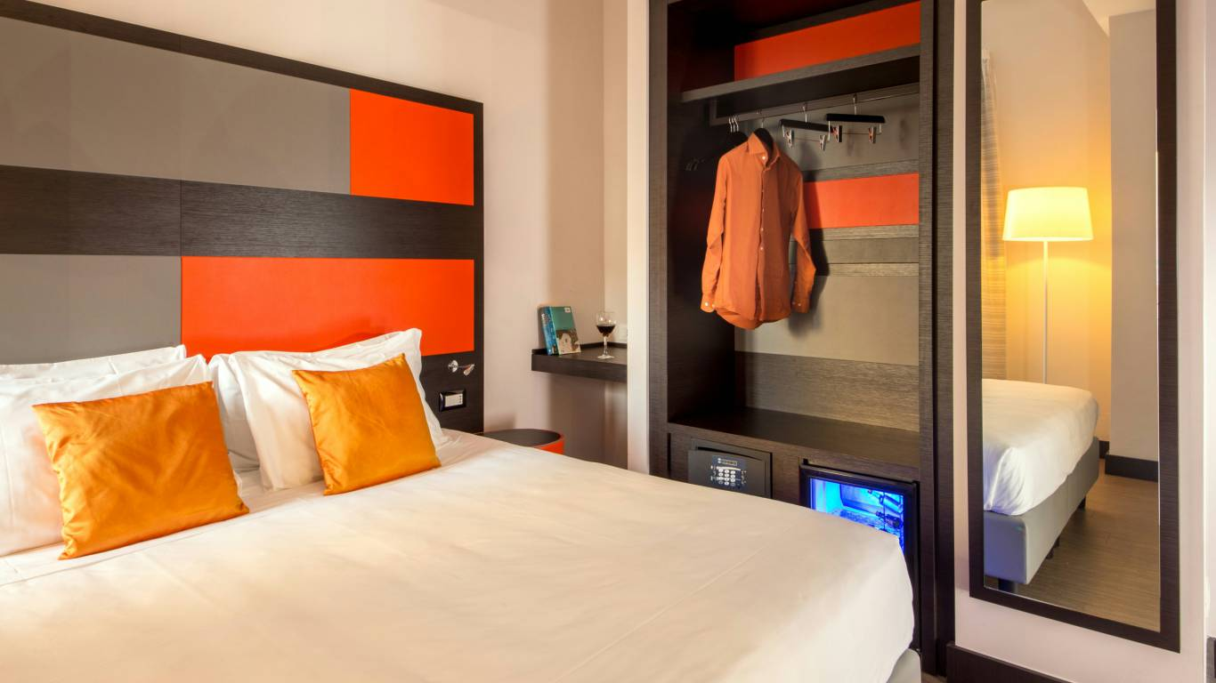 Hotel-Cosmopolita-Rome-room16