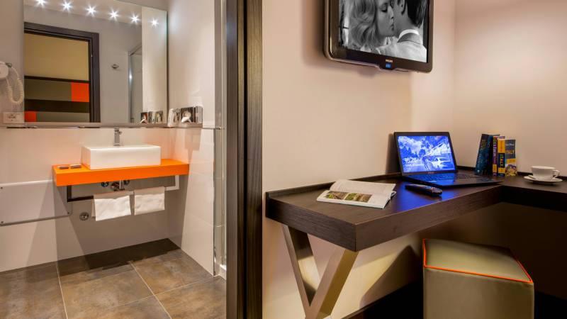 Hotel-Cosmopolita-Rome-room5