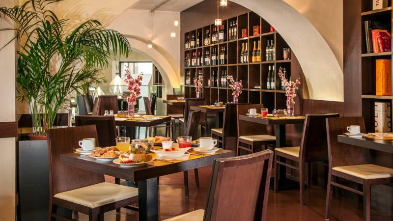 Hotel-Cosmopolita-Roma-bar