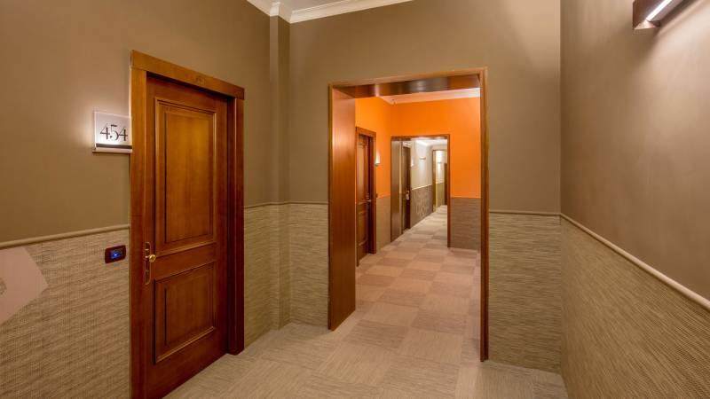Hotel-Cosmopolita-Rome-corridor