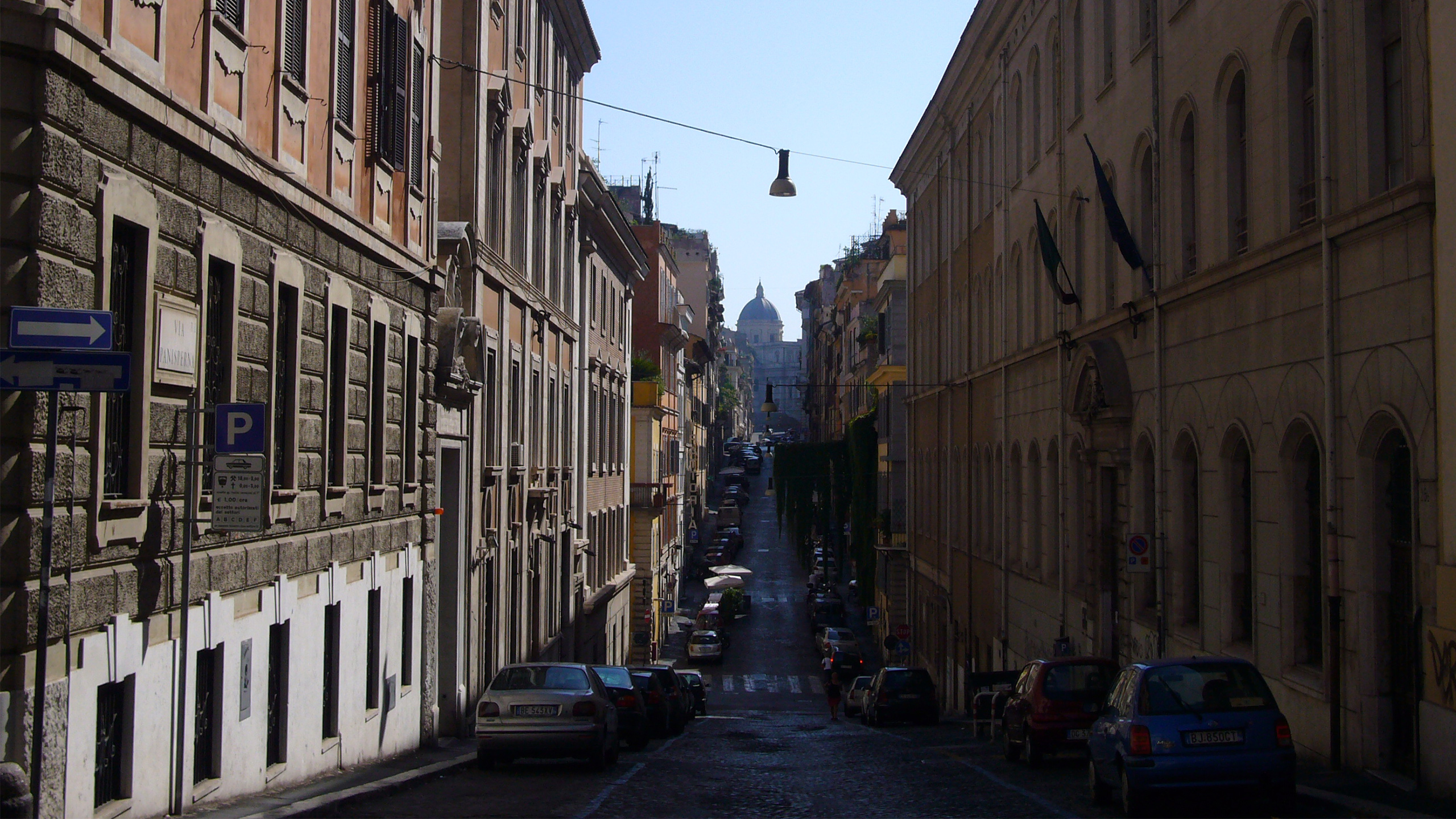 Shopping a roma scovare le migliori occasioni nei mercati for Porta portese arredamento